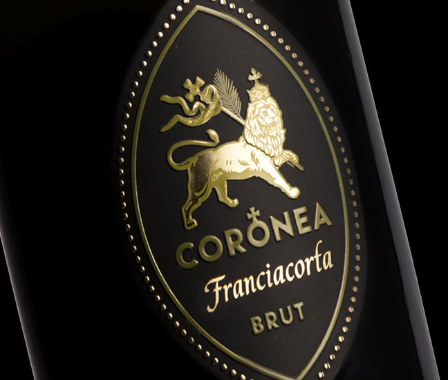Coronea franciacorta gold to the palate Italian wine